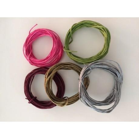 Set de alambre de papel 5 colores x 5 metros cada uno.